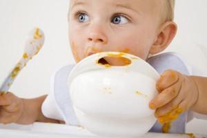 Cuánto tiene que comer un bebe de un año