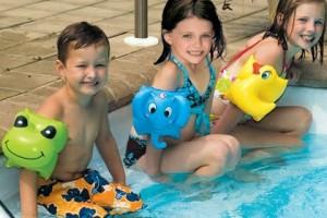 Juegos de agua para aguantar el calor con los niños